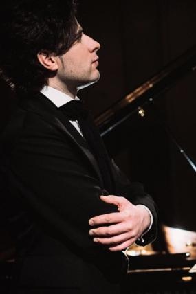 """Ziemassvētku Svētdienis koncerts. Andrejs Osokins """"Mīlestības sinerģija"""""""
